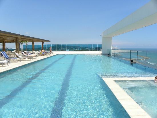 Vista desde la torre del mar picture of hotel las for Alberca las americas