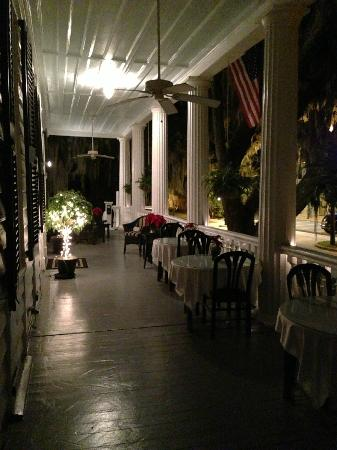 The Rhett House Inn: Lower Porch