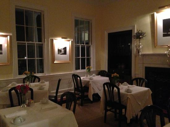 The Rhett House Inn: Dining Room