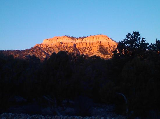 Stone Canyon Inn: Sunrise on Bristlecone Point (from the Inn)