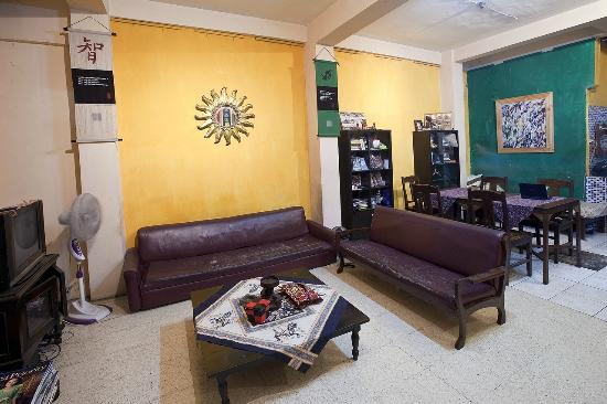 The Munajat Backpacker : lobby