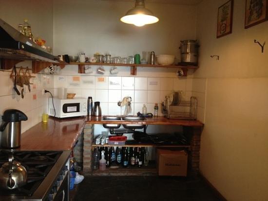 Bariloche Hostel: kitchen