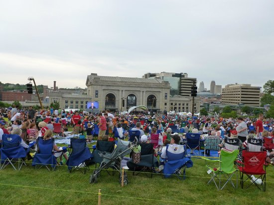 Kansas City Symphony: KC Symphony concert - Memorial Day from the lawn of the WWI memorial.