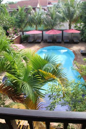 Pavillon Indochine Hotel: Blick auf den Pool vom 1. Stock