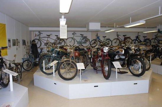 Eds MC- and Motormuseum for veteran motorbikes: En del av samlingen