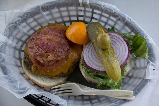 Lookout Cafe: burger
