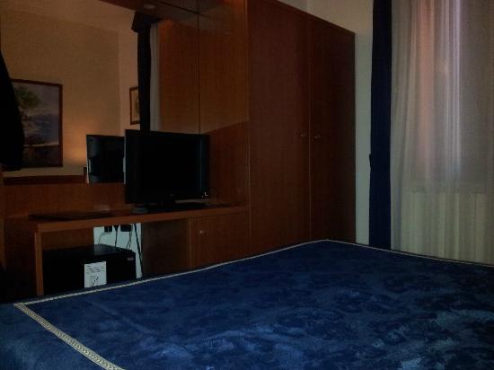 Hotel Roberta: Camera Fronte letto