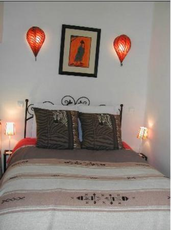 Riad Diarna: Chambre Africaine lit 140