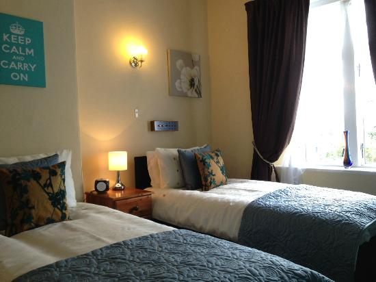 Cranborne Guest Accommodation: 2nd Floor Twin Room