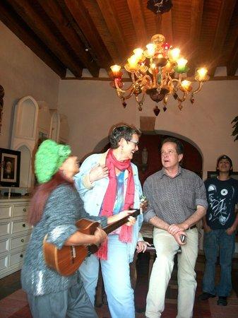 Casona Rosa: PAMELA SING TO ROSE & RICK DAVIS AT PATZCUARO
