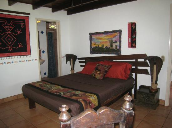 Casa Sosegada: Bedroom with Full Bath - Quarto de Gekko