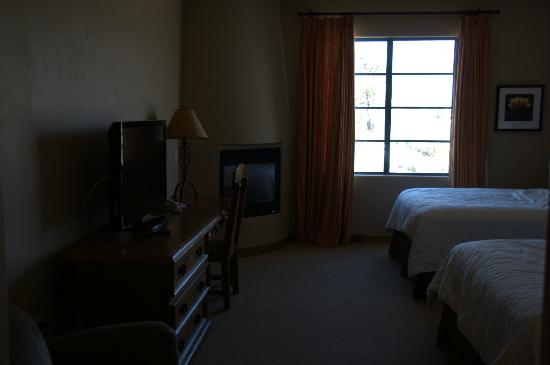 Lodge on the Desert: Room-2 doubles