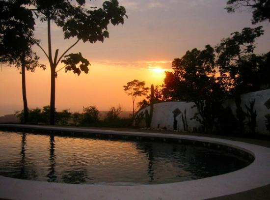 Casa Sosegada: Sunset view from pool