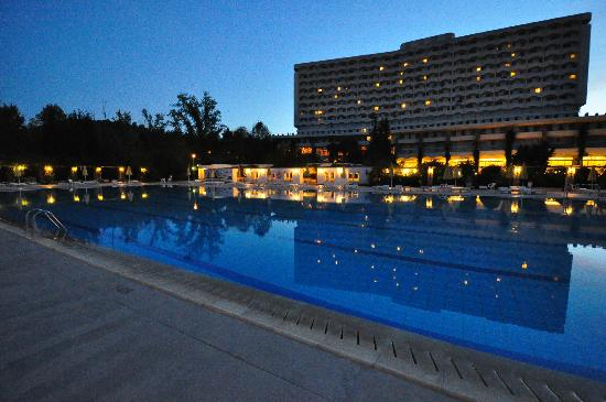 Athos Palace Hotel: Pool in the evening, Athos Palace, Sept 2012