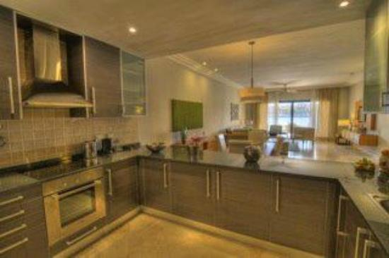 Fishing Lodge Cap Cana: Kitchen Suite Premier