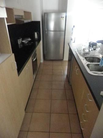 Marlin Cove Holiday Resort: Kitchen (Oven/hob/microwave/fridge/freezer/sink/dishwasher & washing machine