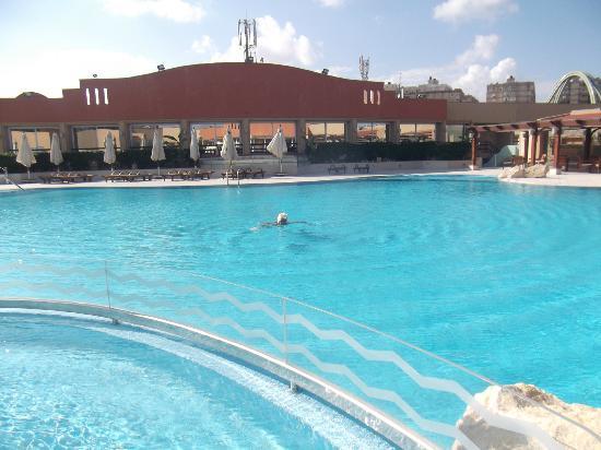 Hilton Alexandria Green Plaza: Nice pool