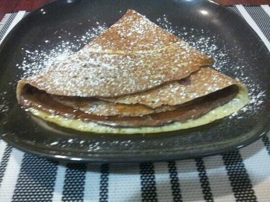 Creperie Poivre et Sel: crêpe nutella/sirop d'érable !!! essayer ;)