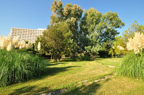 Athos Palace Hotel: In the garden, Athos Palace, Sept 2012