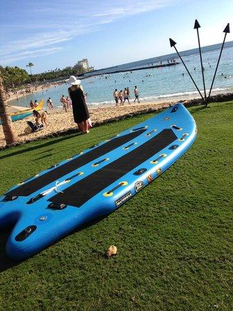 Waikiki Resort: Praia em frente ao Hotel.