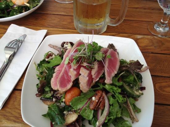 The Garden: garden salad with tuna