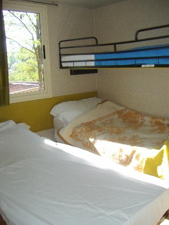 Norcenni Girasole Club: Room with 3 beds
