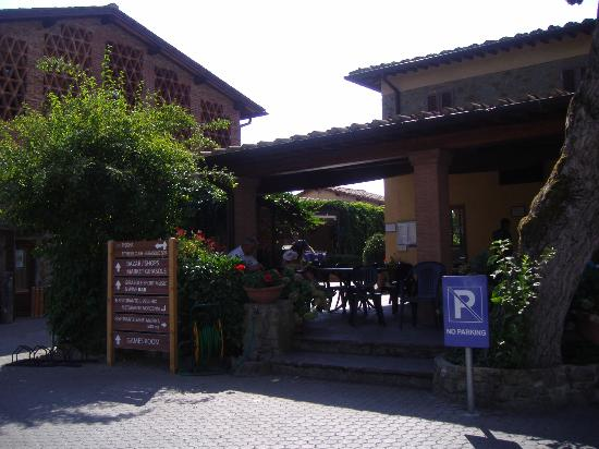 Norcenni Girasole Club: restaurant