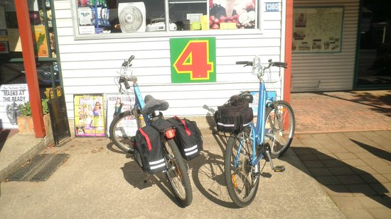 Wheelie Fantastic Cycle Hire & Tours: Four Square at Upper Moutere