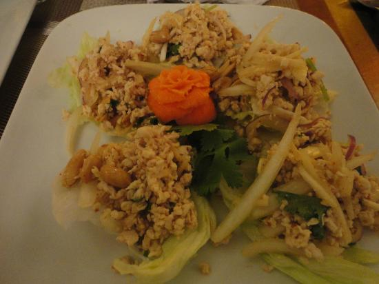 Kao Tong Modern Thai: Chicken Lettuce Wraps