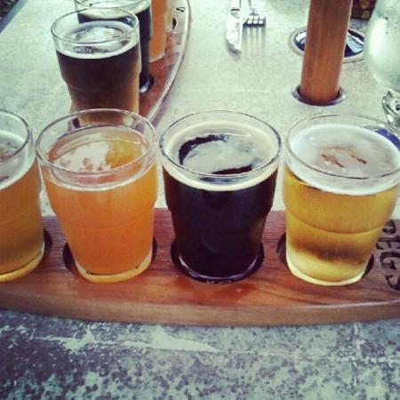 Peg's Cantina: Peg's beer sampler