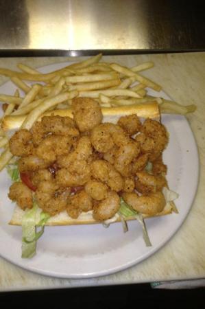 Sunflower Cafe: shrimp poboy