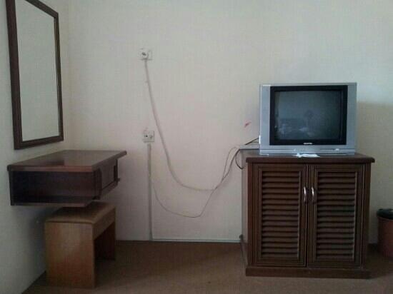 Hotel Seafront: Blick vom Bett auf TV (King Size Bettroom)
