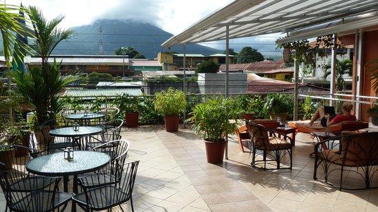 Hotel Las Colinas: Terrace