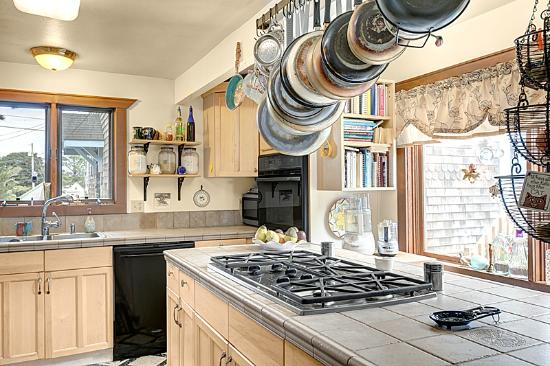 Boreas Bed and Breakfast Inn: Here's the Boreas kitchen where the magical breakfast are created.