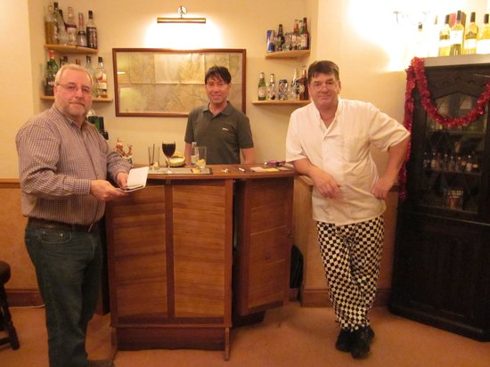 Kirkby House Hotel: Relaxing at the bar