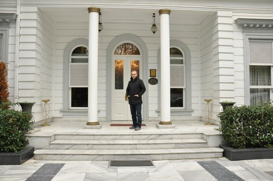 Bosphorus Palace Hotel: hotel girişi