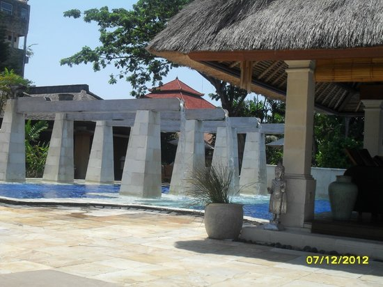 Rama Beach Resort and Villas: part of pool area