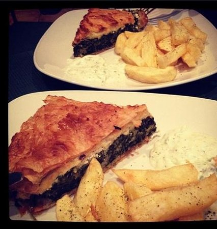 Olive Tree Tavern: the spinach pie with tzaziki and amazing homemade chips