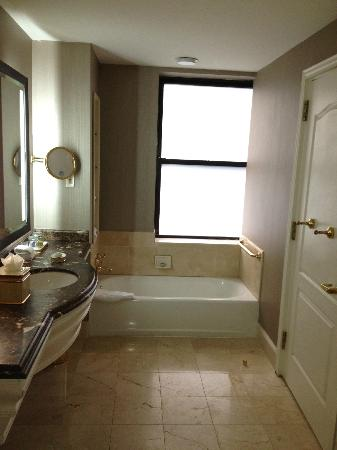 The James New York - NoMad: Executive Bath - Tub side