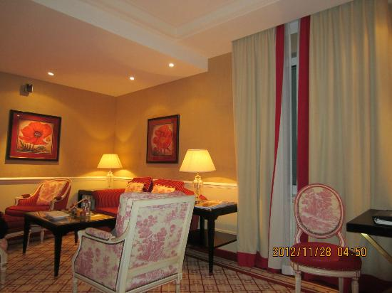 Hotel Sacher Wien: 友人宅に招かれたみたいな心温まるお部屋