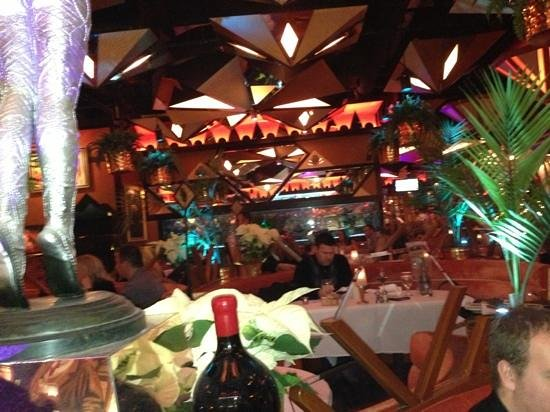 Jeff Ruby's Steakhouse: eclectic decor