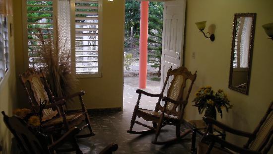 Casa Claribel y El Titi: Sala Comedor