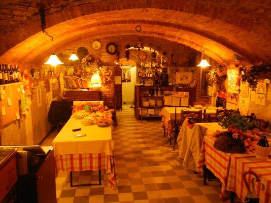 Al Mercato B&B: restaurant entrance