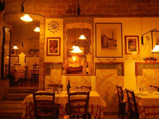 Al Mercato B&B: restaurant inside