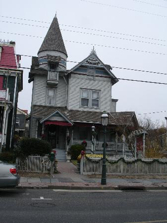 Beauclaire's Bed and Breakfast: View if the Inn. 