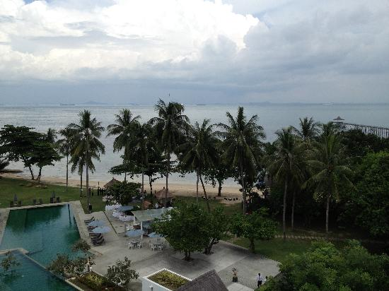 Turi Beach Resort: Pool plus beach (Nice wedding setup)