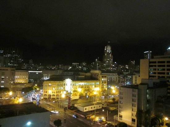 Holiday Inn Civic Center (San Francisco): View by night