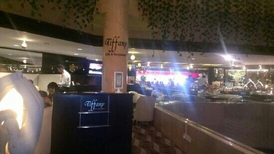 Furama City Centre: tiffany restaurant for breakfast! brilliant!