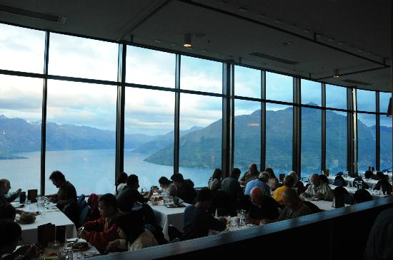 View of the skyline restaurant picture of stratosfare for Bar food queenstown