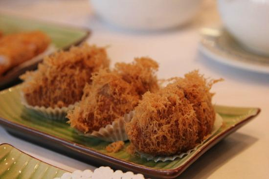 Grand Dynasty Seafood Restaurant: Meat in a pastry